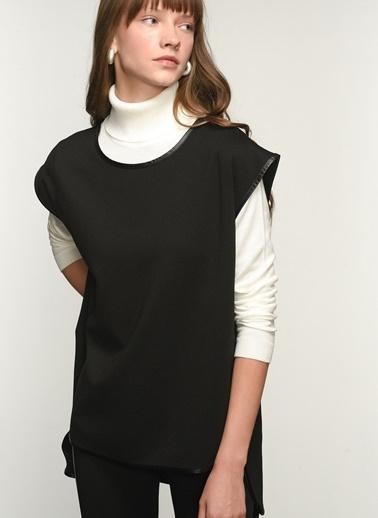 NGSTYLE NGKAW21BL0007 Deri Biye Detaylı Örme Bluz Siyah